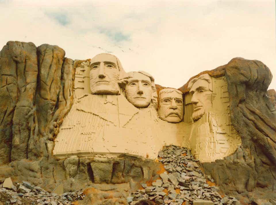 Storia della LEGO - 1974 - Monte Rushmore in LEGO