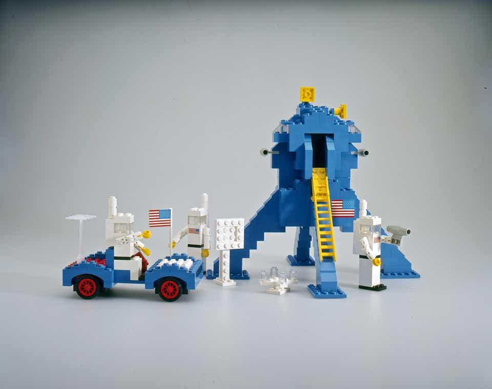 Storia della LEGO - 1975 - Atterraggio sulla Luna in LEGO