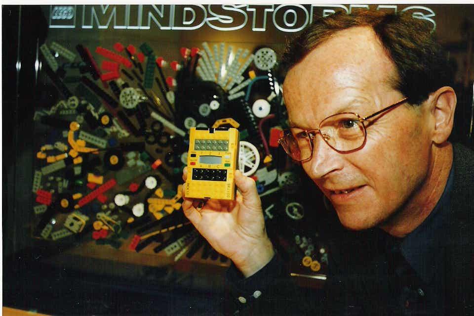 Storia della LEGO - 1997 - Foto storica della LEGO Mindstorms