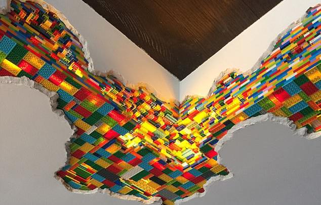 LEGO Walls - I Muri in LEGO di Dante Dentoni - Arte LEGO - Riportami all'Infanzia!