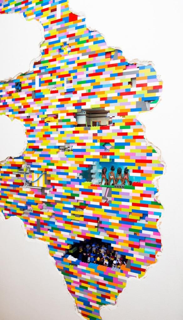 LEGO Walls - I Muri in LEGO di Dante Dentoni - Arte LEGO - Ambizione