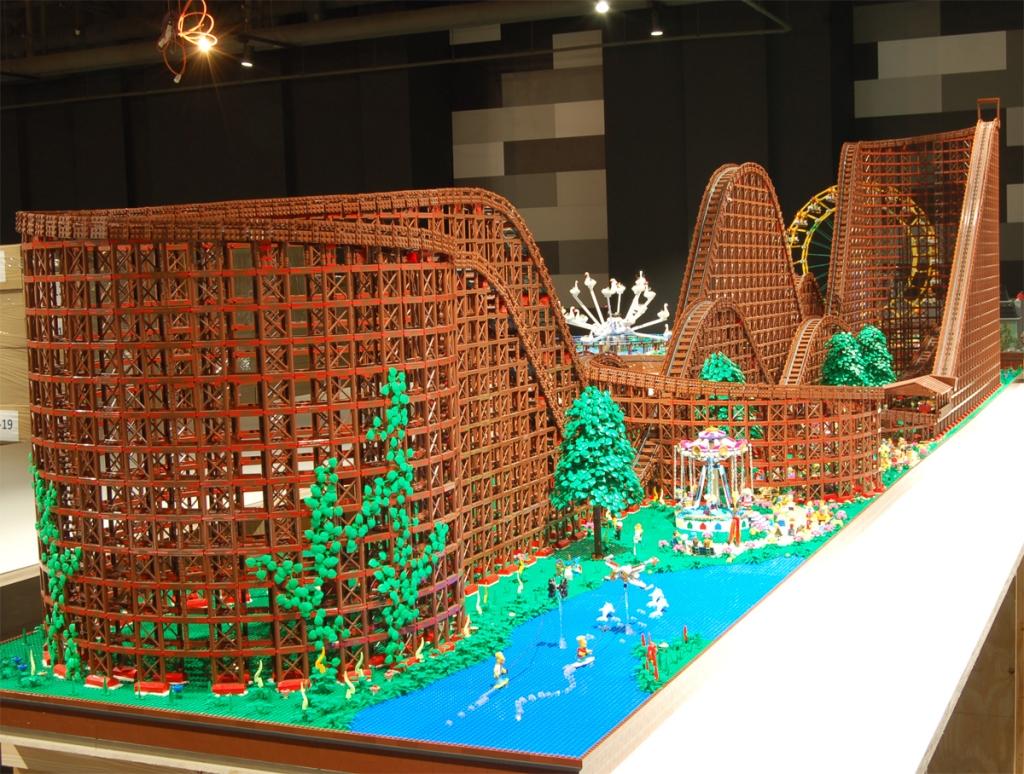Luna Park - Montagne Russe LEGO - MOC - 90.000 pezzi LEGO