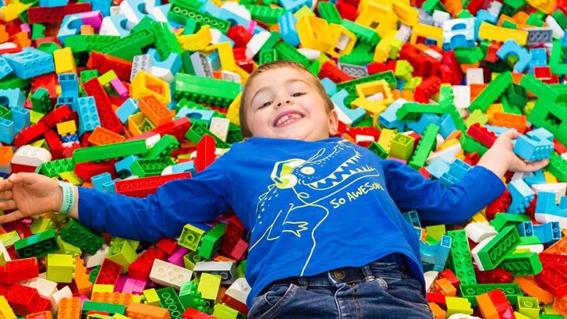 Diventa un LEGO Master Builder - Bambino sui LEGO